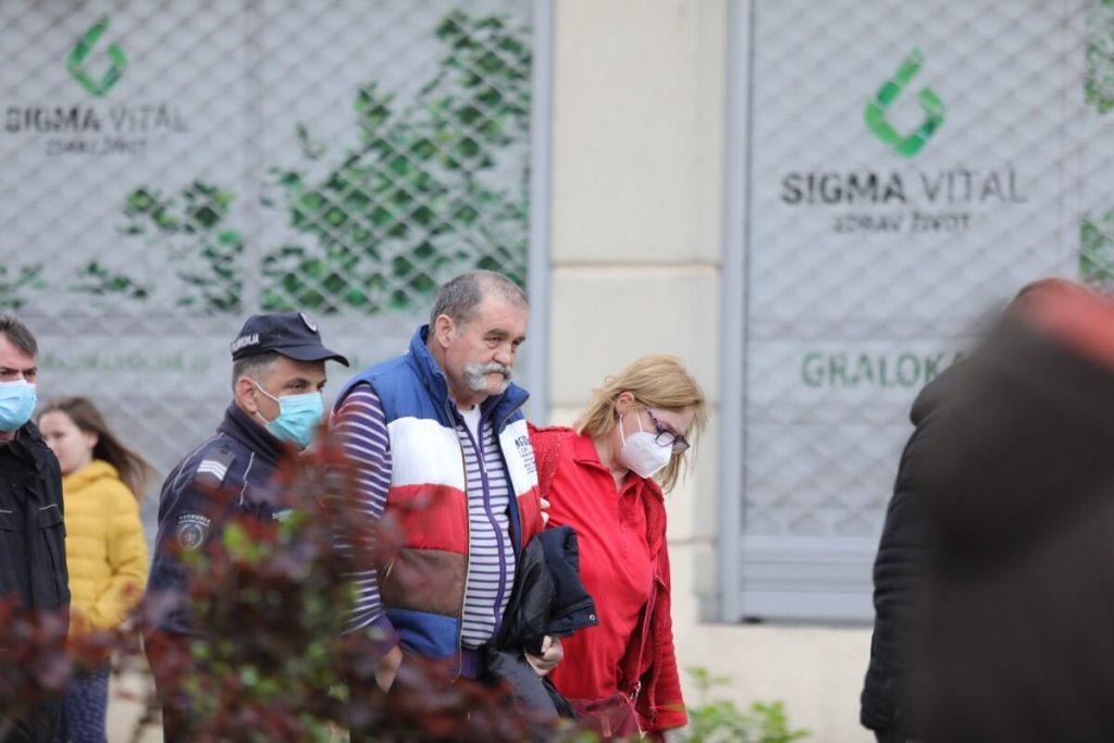 Porodica Lalović iseljena: pokušaj samoubistva i hapšenje aktivista